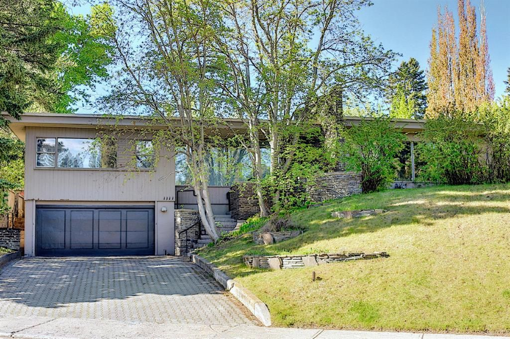 Main Photo: 1111 Sydenham Road SW in Calgary: Upper Mount Royal Detached for sale : MLS®# A1113623