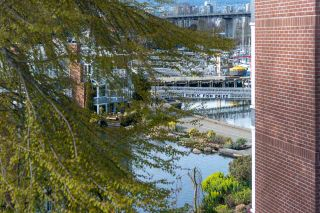 """Photo 12: 401 1508 MARINER Walk in Vancouver: False Creek Condo for sale in """"MARINER POINT"""" (Vancouver West)  : MLS®# R2573936"""