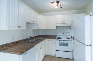 """Photo 2: 10 46260 HARFORD Street in Chilliwack: Chilliwack N Yale-Well Condo for sale in """"Colonnial Courts"""" : MLS®# R2565457"""