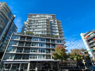 """Photo 2: 251 108 W 1ST Avenue in Vancouver: False Creek Townhouse for sale in """"WALL CENTRE FALSE CREEK EAST TOWER"""" (Vancouver West)  : MLS®# R2620424"""