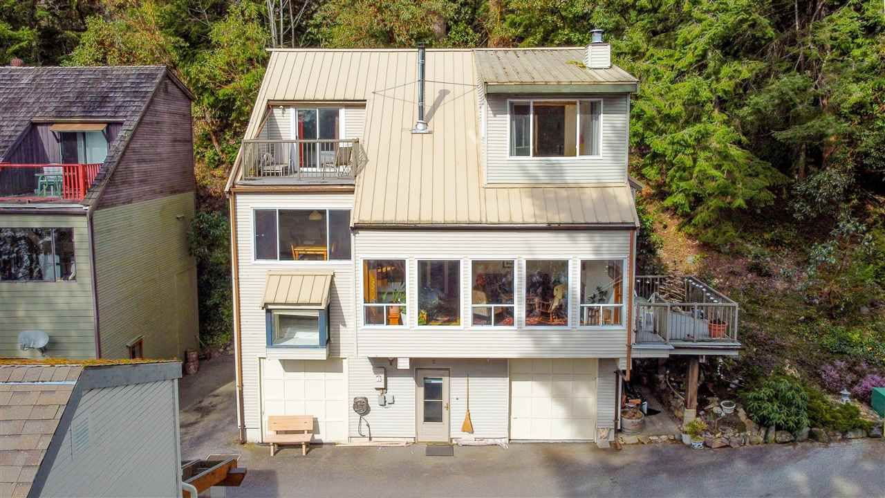Main Photo: 2 5471 SECRET COVE Road in Halfmoon Bay: Halfmn Bay Secret Cv Redroofs House for sale (Sunshine Coast)  : MLS®# R2573097