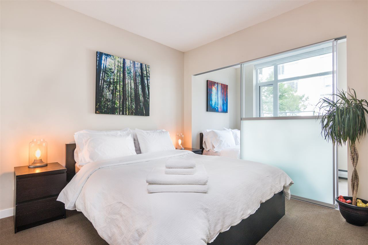 Main Photo: 601 1708 COLUMBIA STREET in : False Creek Condo for sale : MLS®# R2222915