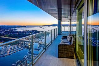 "Photo 8: 5601 1480 HOWE Street in Vancouver: Yaletown Condo for sale in ""VANCOUVER HOUSE"" (Vancouver West)  : MLS®# R2531161"