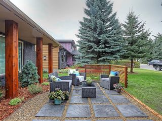 Photo 2: 127 PARKGLEN Crescent SE in Calgary: Parkland House for sale : MLS®# C4160731