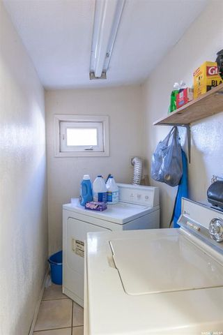 Photo 12: 117 J Avenue South in Saskatoon: Pleasant Hill Residential for sale : MLS®# SK850244