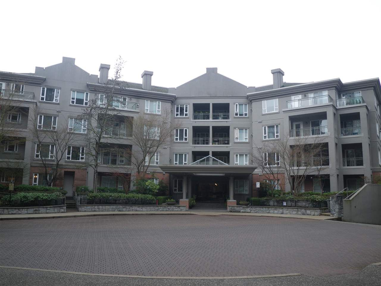 "Main Photo: 205 5683 HAMPTON Place in Vancouver: University VW Condo for sale in ""WYNDHAM HALL"" (Vancouver West)  : MLS®# R2533003"