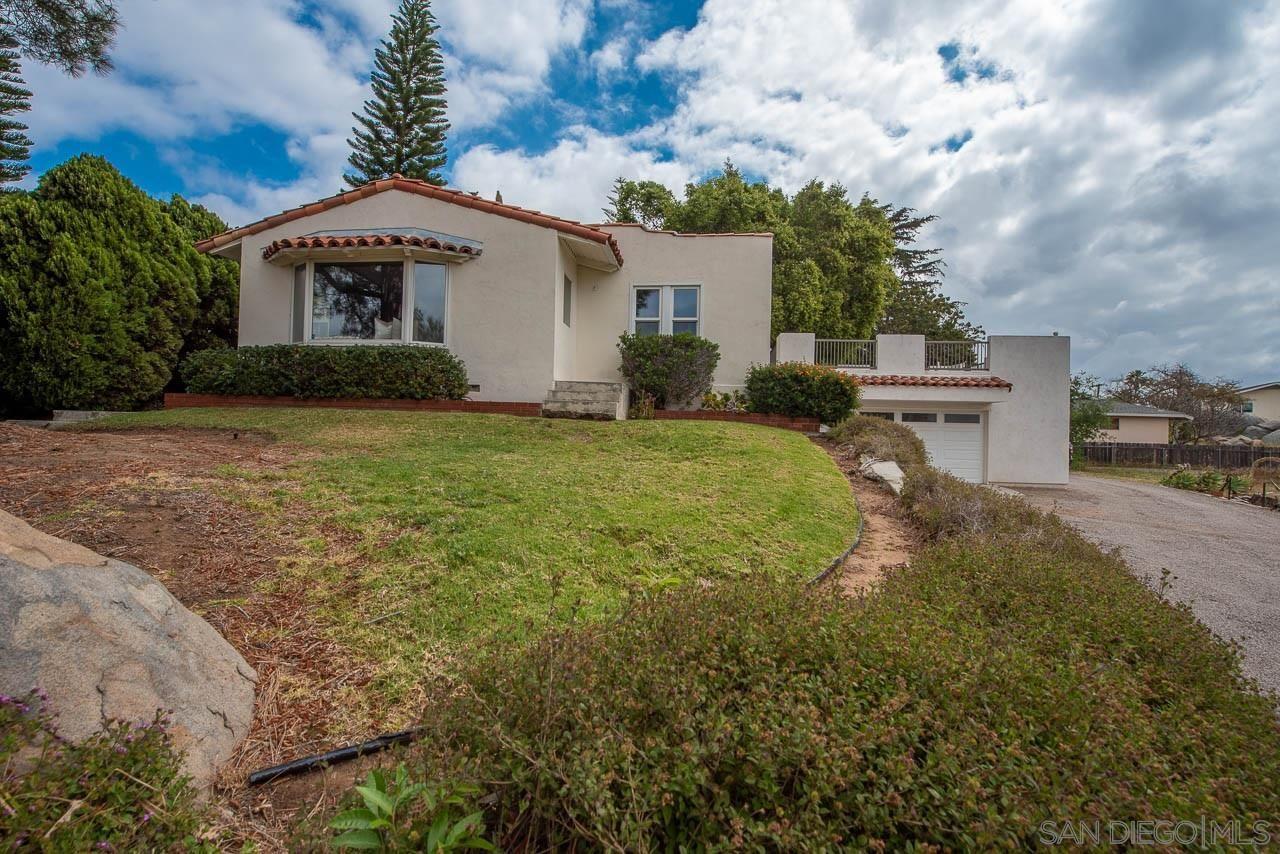Main Photo: SOUTH ESCONDIDO House for sale : 3 bedrooms : 419 Idaho Ave in Escondido