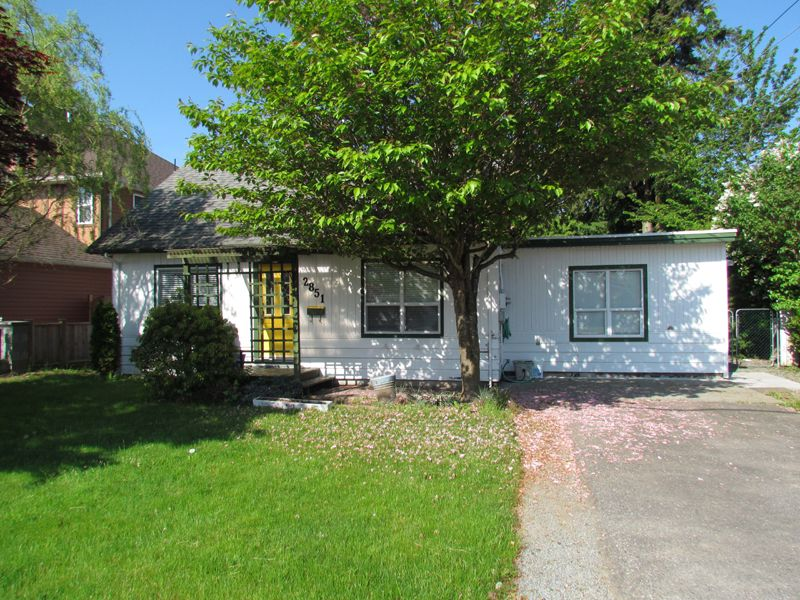 Main Photo: 2851 VICTORIA Street in ABBOTSFORD: Abbotsford West House for rent (Abbotsford)