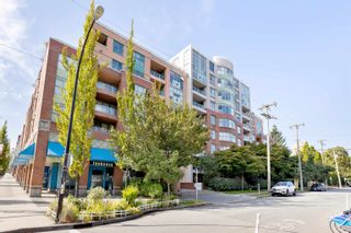 """Photo 1: 701 518 W 14TH Avenue in Vancouver: Fairview VW Condo for sale in """"PACIFICA"""" (Vancouver West)  : MLS®# R2614873"""