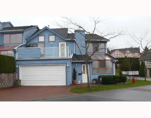 "Main Photo: 10 323 GOVERNORS Court in New_Westminster: Fraserview NW Townhouse for sale in ""FRASERVIEW"" (New Westminster)  : MLS®# V679747"