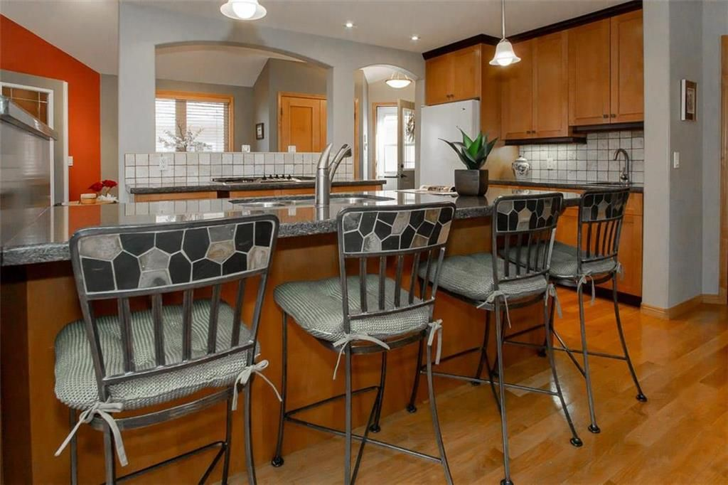 Photo 10: Photos: 23 Tiverton Bay in Winnipeg: River Park South Residential for sale (2F)  : MLS®# 202008374