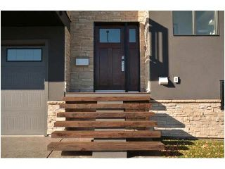 Photo 2: 1103 40 Street SW in Calgary: Rosscarrock House for sale : MLS®# C4059738