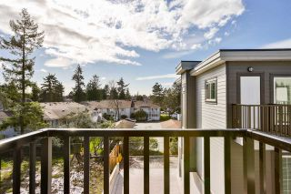 """Photo 15: 39 7247 140 Street in Surrey: East Newton Townhouse for sale in """"Greenwood Townhomes"""" : MLS®# R2256026"""
