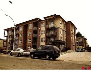Photo 1: 208 10707 139TH Street in Surrey: Whalley Condo for sale (North Surrey)  : MLS®# F2813806