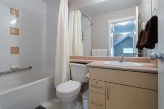 """Photo 35: 54 20760 DUNCAN Way in Langley: Langley City Townhouse for sale in """"Wyndham Lane"""" : MLS®# R2490902"""