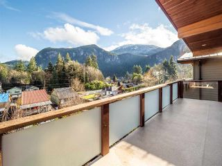"""Photo 32: 1006 PENNYLANE Place in Squamish: Hospital Hill House for sale in """"Hospital Hill"""" : MLS®# R2520358"""