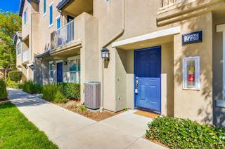 Photo 2: CHULA VISTA Townhouse for sale : 3 bedrooms : 2726 Hazelnut Ct