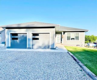 Photo 1: 346 3RD Street Northeast in Minnedosa: Residential for sale (R36 - Beautiful Plains)  : MLS®# 202116470