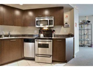 "Photo 7: 703 1212 HOWE Street in Vancouver: Downtown VW Condo for sale in ""1212 HOWE"" (Vancouver West)  : MLS®# V1111343"