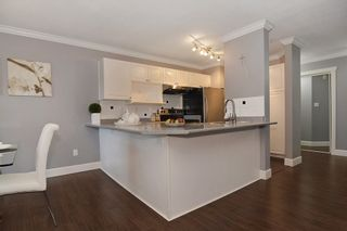 Photo 7: 226 22150 48 AVENUE in Langley: Murrayville Condo for sale : MLS®# R2130176