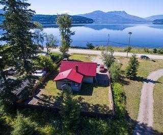 Photo 1: 3839 Sunnybrae-Canoe Pt. Road in Tappen: Sunnybrae House for sale : MLS®# 10119959