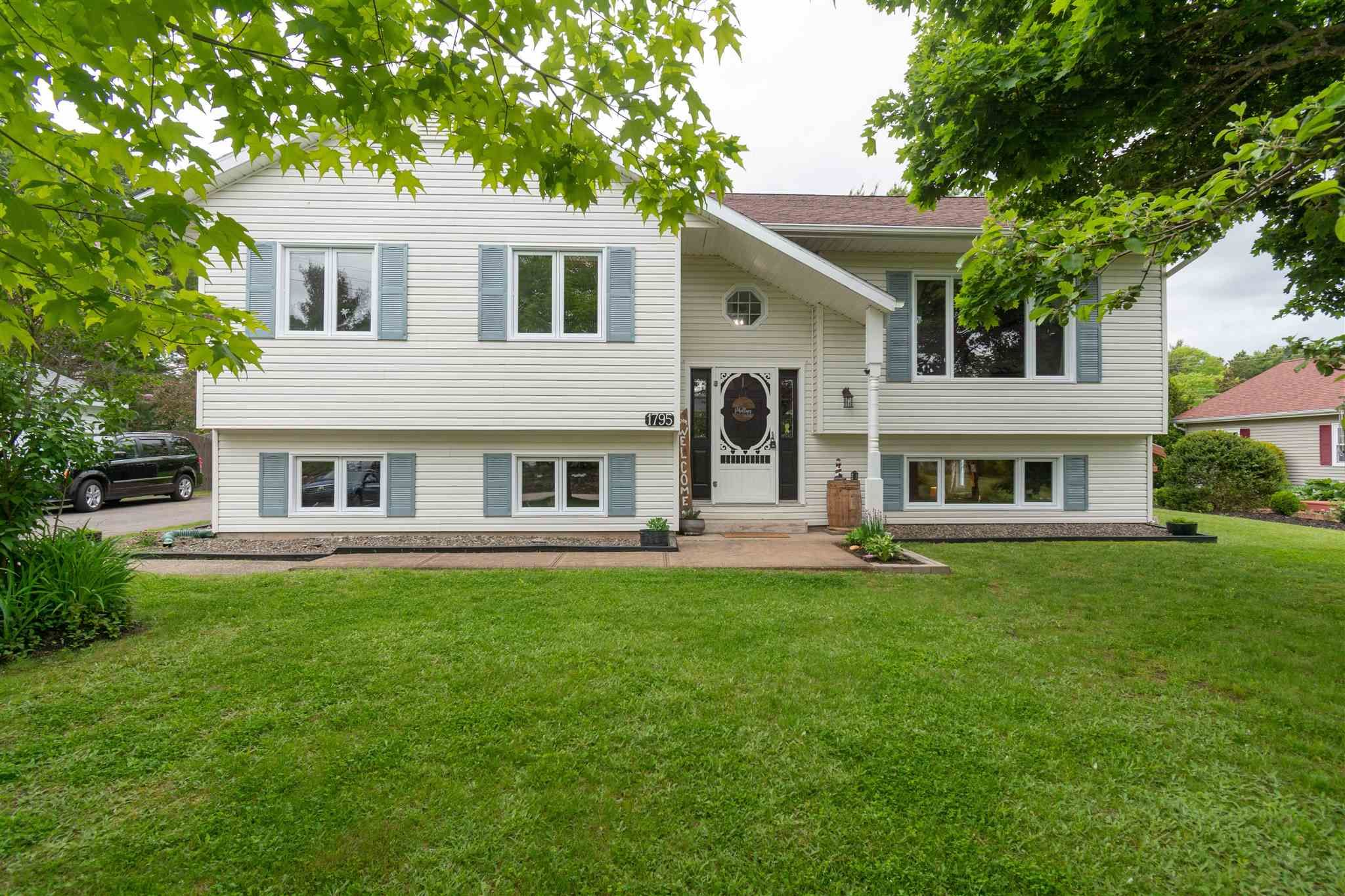 Main Photo: 1795 Drummond Drive in Kingston: 404-Kings County Residential for sale (Annapolis Valley)  : MLS®# 202113847
