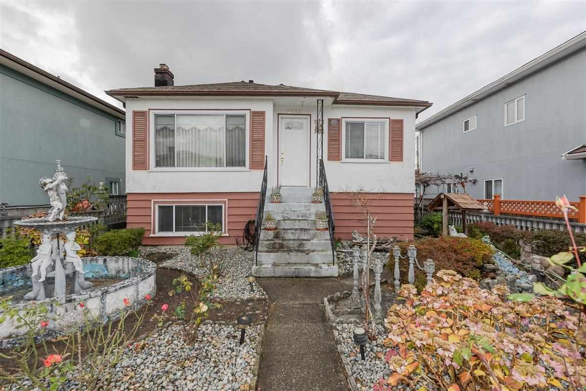 Photo 2: Photos: 3875 LILLOOET Street in Vancouver: Renfrew Heights House for sale (Vancouver East)  : MLS®# R2375620