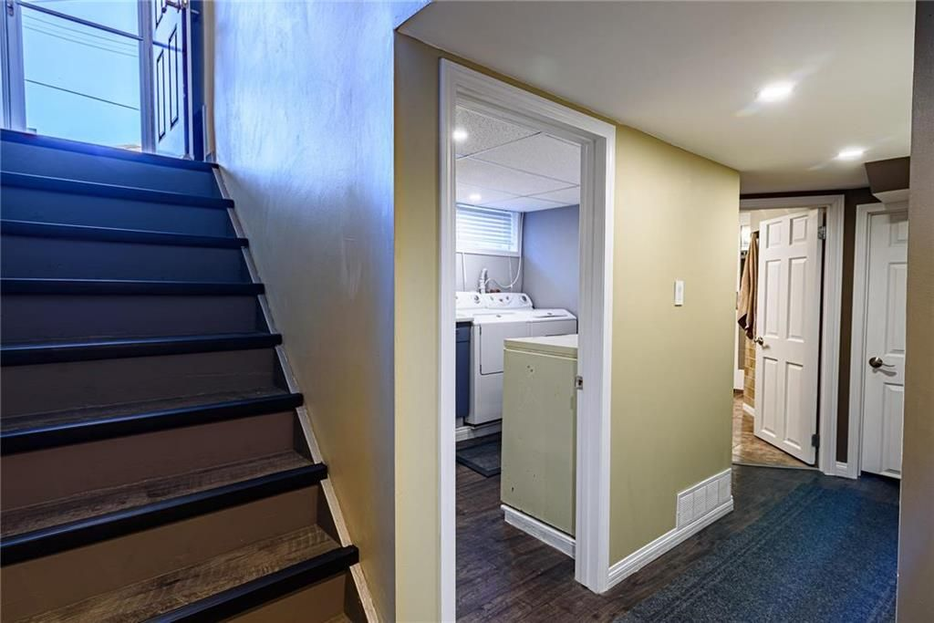 Photo 33: Photos: 603 Fleming Avenue in Winnipeg: Residential for sale (3B)  : MLS®# 202113289