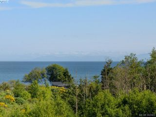 Photo 2: 405 3234 Holgate Lane in VICTORIA: Co Lagoon Condo for sale (Colwood)  : MLS®# 788132