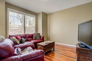 Photo 3: 3731 42 Street SW in Calgary: Glenbrook Semi Detached for sale : MLS®# A1132600