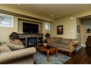 Photo 3: 19875 72 Avenue in Langley: Willoughby Heights House for sale : MLS®# R2082231