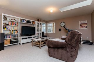 """Photo 13: 20610 90 Avenue in Langley: Walnut Grove House for sale in """"Forest Creek"""" : MLS®# R2034550"""