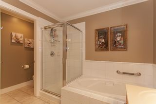 """Photo 34: 1 15450 ROSEMARY HEIGHTS Crescent in Surrey: Morgan Creek Townhouse for sale in """"CARRINGTON"""" (South Surrey White Rock)  : MLS®# R2201327"""