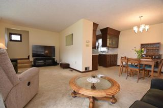 Photo 6: 231 Perth Avenue in Winnipeg: West Kildonan Residential for sale (4D)  : MLS®# 202107933