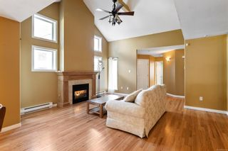 Photo 2: 5224 Arbour Cres in : Na North Nanaimo Row/Townhouse for sale (Nanaimo)  : MLS®# 867266