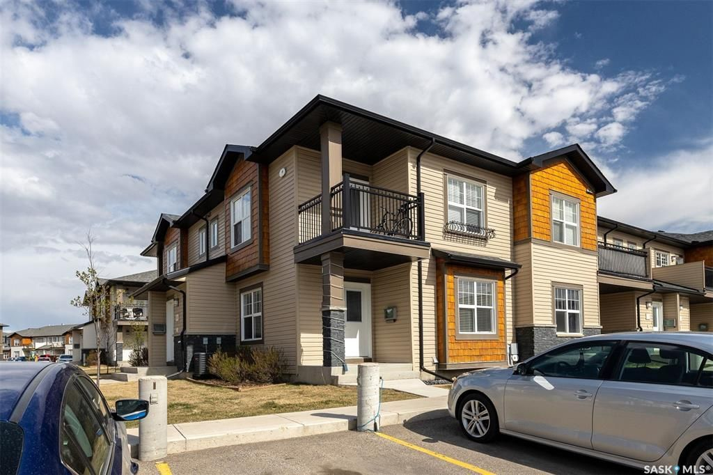 Main Photo: 2509 1015 Patrick Crescent in Saskatoon: Willowgrove Residential for sale : MLS®# SK855521