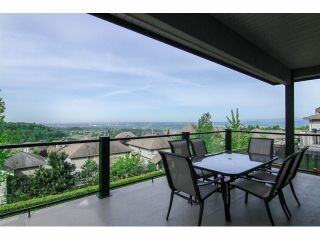 """Photo 11: 3327 BLOSSOM Court in Abbotsford: Abbotsford East House for sale in """"The Highlands"""" : MLS®# F1411809"""