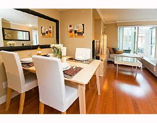 """Photo 3: 29 638 W 6TH Avenue in Vancouver: Fairview VW Townhouse for sale in """"STELLA DEL FIORDO"""" (Vancouver West)  : MLS®# V663726"""