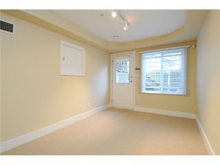 """Photo 17: 4472 QUEBEC Street in Vancouver: Main House for sale in """"MAIN STREET"""" (Vancouver East)  : MLS®# V1037297"""