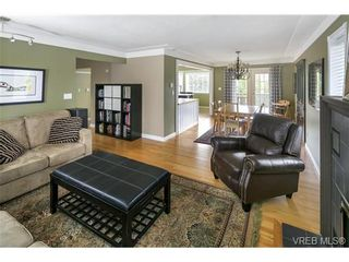 Photo 8: 3819 Synod Rd in VICTORIA: SE Cedar Hill House for sale (Saanich East)  : MLS®# 724403
