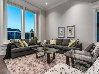 Photo 3: 2099 RIESLING Drive in Abbotsford: Aberdeen House for sale : MLS®# R2180981