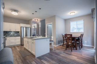 """Photo 7: 94 6575 192 Street in Surrey: Clayton Townhouse for sale in """"IXIA"""" (Cloverdale)  : MLS®# R2502257"""