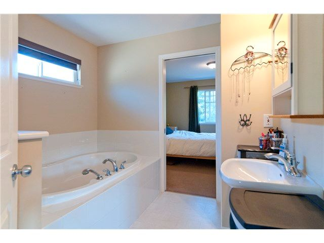 Photo 10: Photos: 36305 ATWOOD Crescent in Abbotsford: Abbotsford East House for sale : MLS®# F1448110