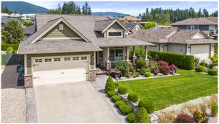 Photo 3: 1740 Northeast 22 Street in Salmon Arm: Lakeview Meadows House for sale : MLS®# 10213382