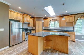 Photo 7: 3826 SEFTON Street in Port Coquitlam: Oxford Heights House for sale : MLS®# R2589276