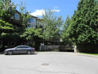 Photo 1: 302 8115 121A Street in Surrey: Queen Mary Park Surrey Condo for sale : MLS®# R2181096