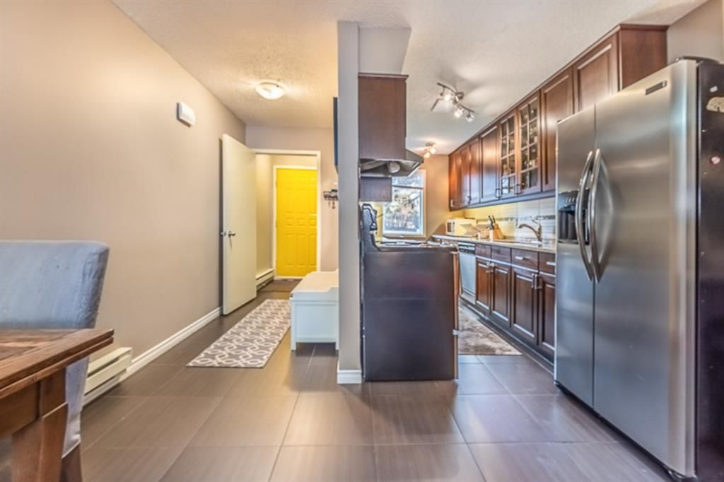 Main Photo: 5 2440 14 Street SW in Calgary: Upper Mount Royal Row/Townhouse for sale : MLS®# A1087570