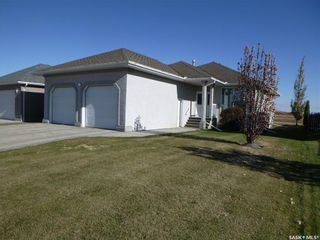 Photo 1: 2216 Newmarket Drive in Tisdale: Residential for sale : MLS®# SK830783
