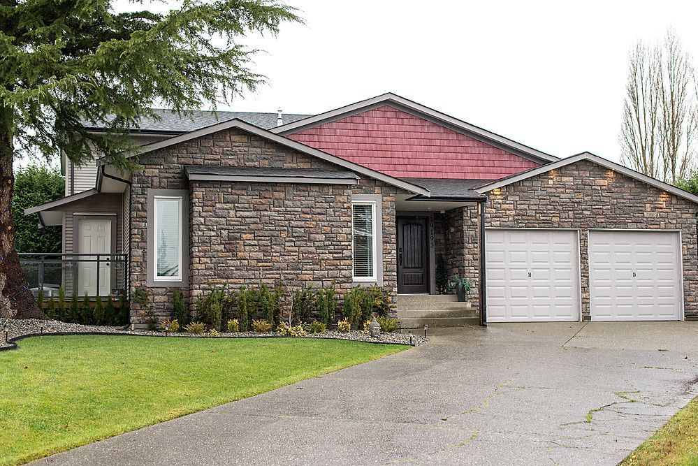 Main Photo: 19193 59A Avenue in Surrey: Cloverdale BC House for sale (Cloverdale)  : MLS®# F1228854