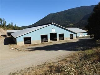 Photo 3: 4147 97 Highway, in Falkland: Agriculture for sale : MLS®# 10236595